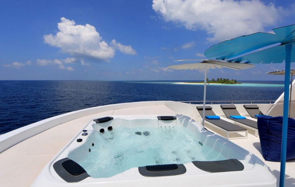 Page Feature Yacht Charter Services